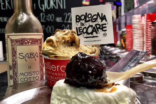 Ricotta di bianca, fichi caramellati e saba Galliera 49 gelateria Bologna